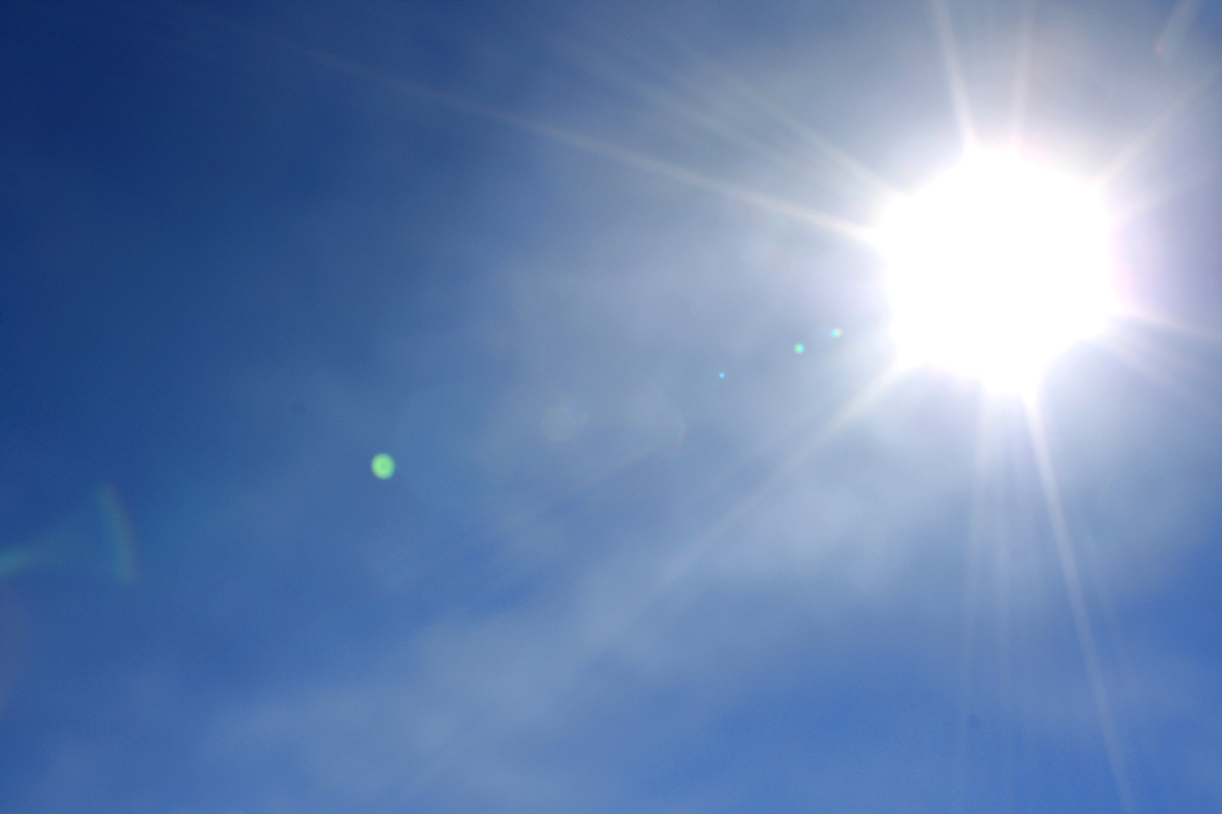 bright-sun-in-blue-sky